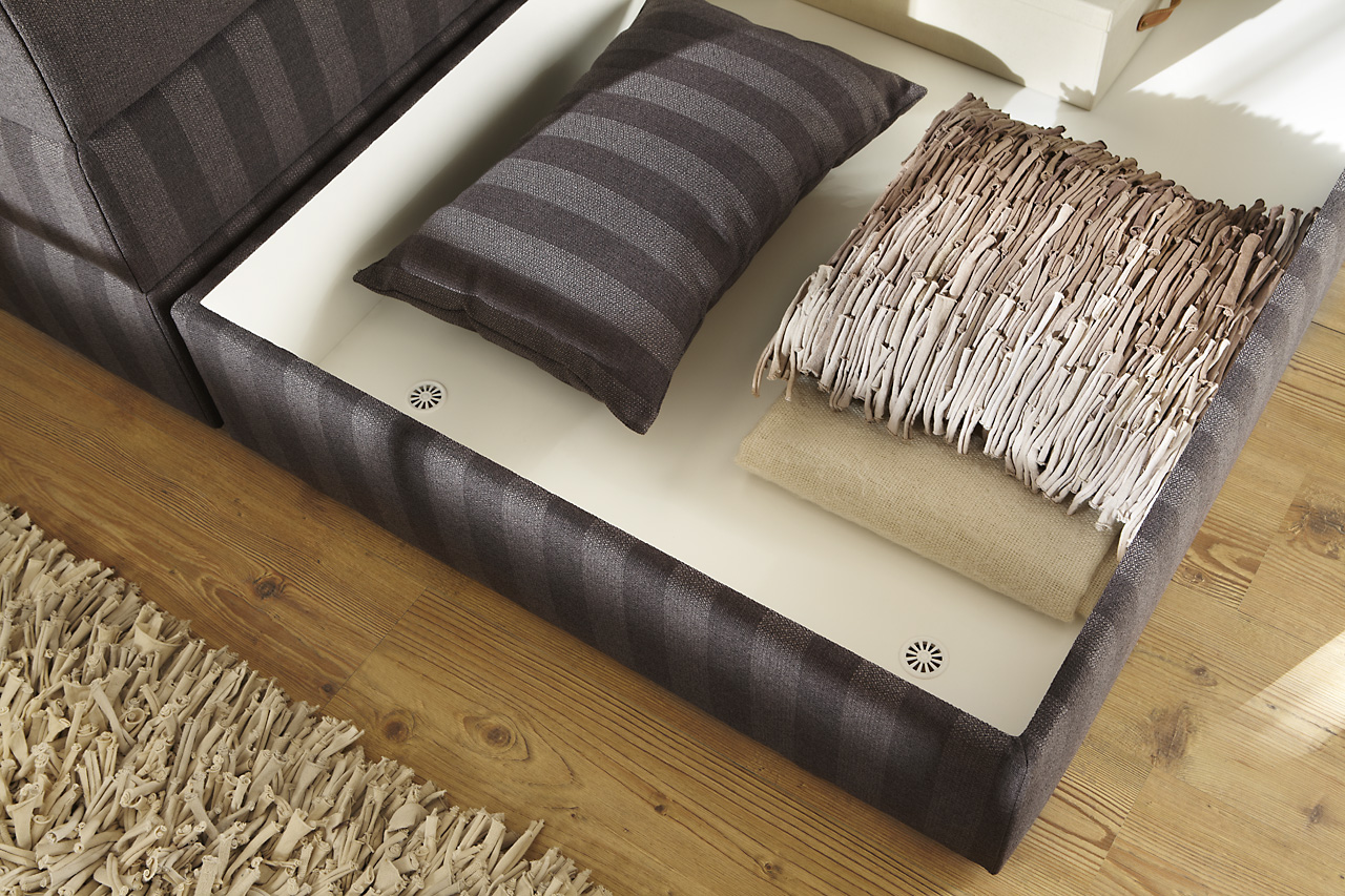 boxspringbett mit bettkasten praktischer stauraum in. Black Bedroom Furniture Sets. Home Design Ideas